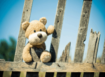 Donner ses jouets en bon état peut faire bien des heureux, mais certaines associations les réparent