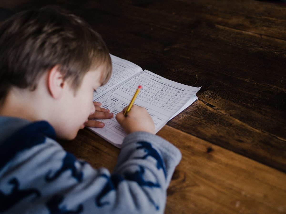 dans le contexte actuel, les parents ne font pas vraiment l'école a la maison