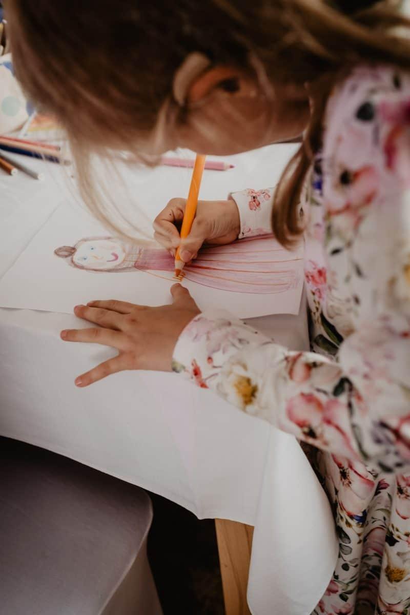 féliciter ou encourager son enfant dans le quotidien