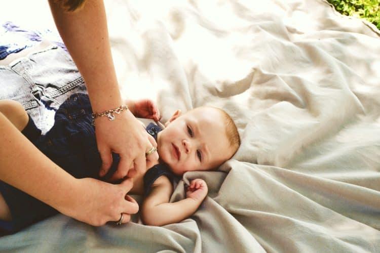 Dans quelle position changer son bébé ?