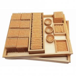 Matériel de calcul : les perles dorées Montessori