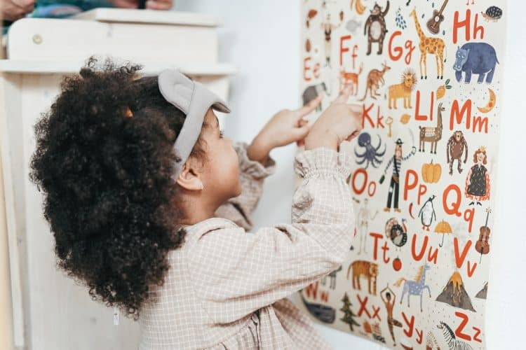 Les activités de langage Montessori : bien plus que la lecture et l'écriture