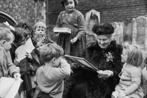 Maria Montessori et son décalogue pour aider l'éducateur